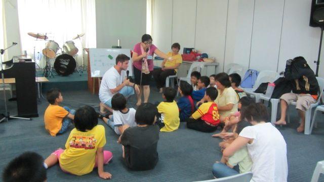 34-ministere-parmis-les-enfants-dun-orphelinat