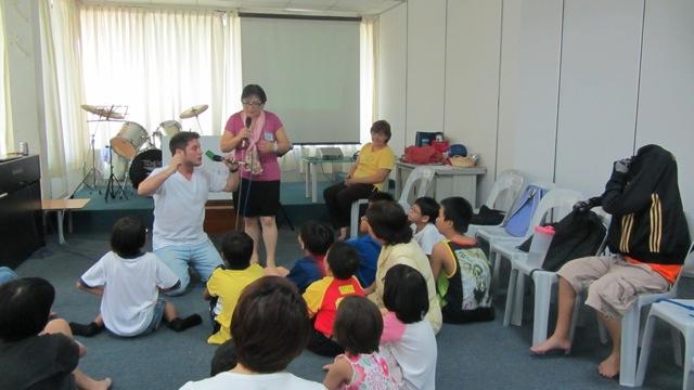 35-ministere-parmis-les-enfants-dun-orphelinat