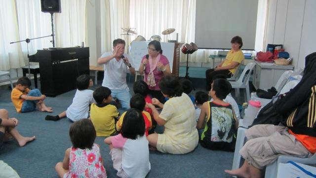 36-ministere-parmis-les-enfants-dun-orphelinat