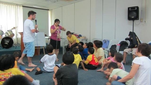 37-ministere-parmis-les-enfants-dun-orphelinat